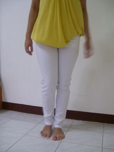my white skinnies - this is a pic of me wearing my white skinny jeans which i totally love!