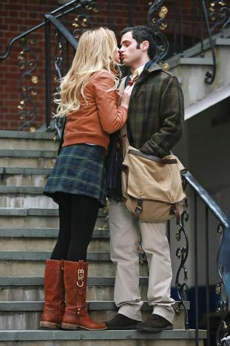 S and Lonely Boy - This is a picture of Dan and Serena kissing on some steps. It was around when they first just barely started going out.