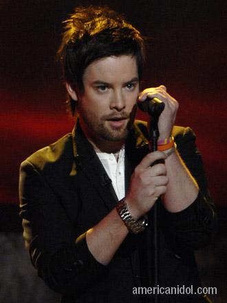 David Cook - David singing on the Idol stage