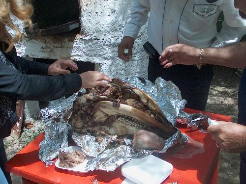 BBQ pigs head - This tasted good, the cheeks did anyway!