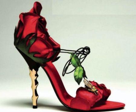 Rose shoes.  - awesome rose shoe