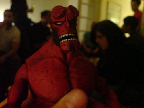 i am angry like hellboy - grrrrrr i hate u mylot!!!