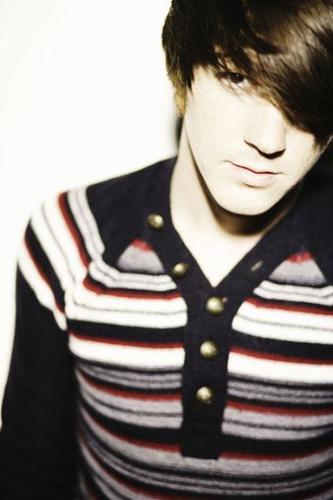 Drake Bell - The photo of Superstar Pop/Rock singer Jared Drake Bell. One of my favourite singer. He rocks.