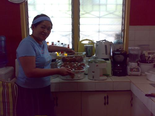 seafoods - this is me last saturday trying to cook what my husband bought from the market.