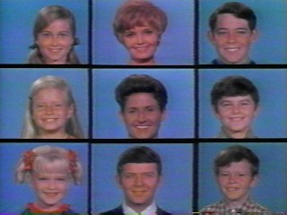 what if the brady bunch lived in different homes? - Oye.