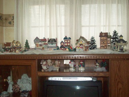 Christmas village in memory of my dad. - Little lighted village.