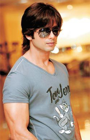 Shahid kapoor.. - Cute,Smart,Handsome,Dude.