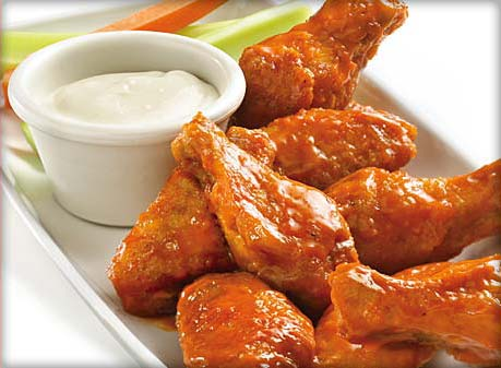 Buffalo chicken wings with ranch