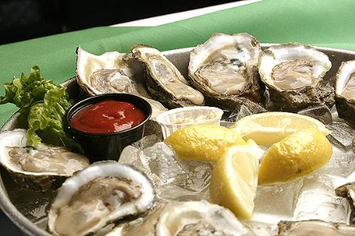 raw oysters - tasty oysters...