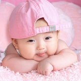 Cute Girl - This is one of the cute girl baby found as wallpaper in most of the mobile phones.