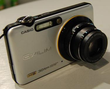 Casio Exilim EX-FC100  - Casio Exilim EX-FC100 at CES2009