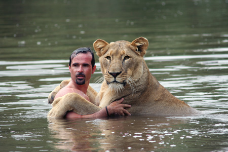 lion and Kevin - It's so amazing...