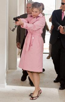 Kyra Sedgwick - I want her coat!