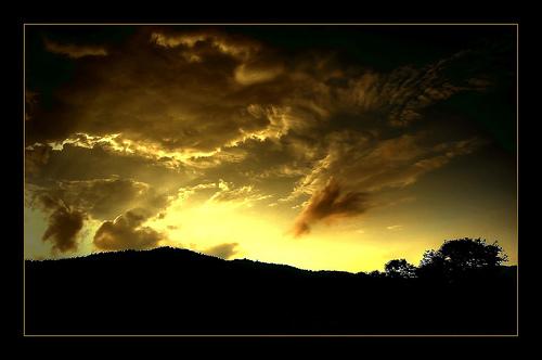 sunset - photo courtesy of agmamayo