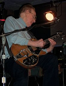 Les Paul - The legend himself.