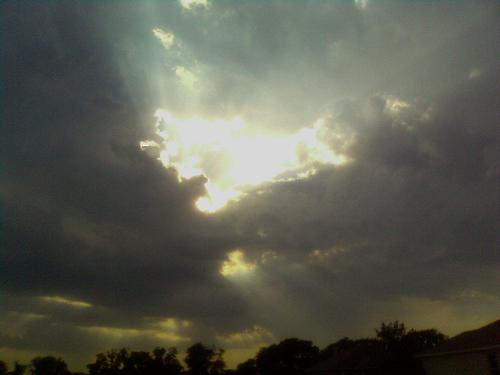 Skyyy - A look to the sky after a storm.