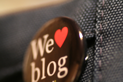 blog - are you a blog addict? blog lover? blog-bug? :P
