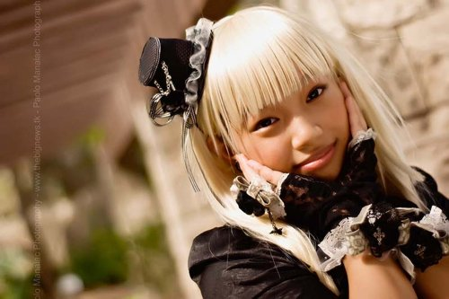 Gothic Lolita Goes Happy? - This is a picture that my friend took during one of our cosplay photoshoots. Isn't it great? He's a great photographer and he uses a DSLR and editing equipment. This is one of the things that makes cosplay worthwhile, despite all of the money we spend on our costumes.