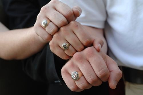 rings - 3 hands with different rings :p