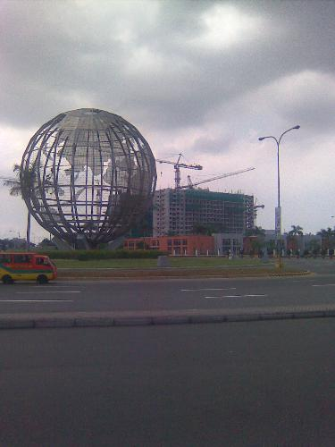 Globe in mall of Asia - Mall of Asia