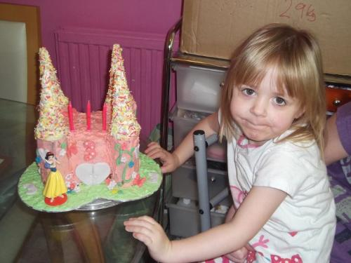 Isabelle and her cake - Sisterly love means little Izzy gets her cake!!