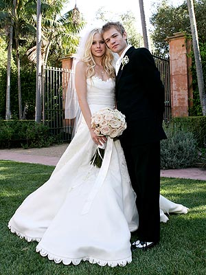 Girlfriend Avril Lavigne. Tags: avril lavigne , wedding