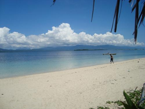 Snake Island Beach - Snake Island is one of the islands in the Honda Bay, Puerto Princesa, Palawan. its called Snake island due to the islands shape above when visitors see it from the airplane.