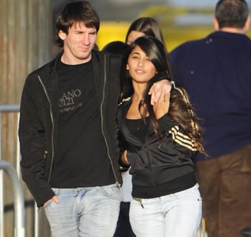 messi 2011. messi nd his gf