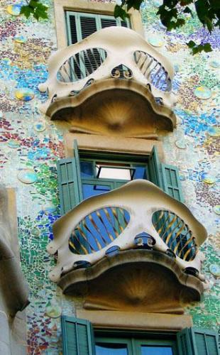 aritecture - Antonio Gaudi,a spanish architct,was the first to understand that nature does not have any straight lines. In his buildings,balconies look like eyes.