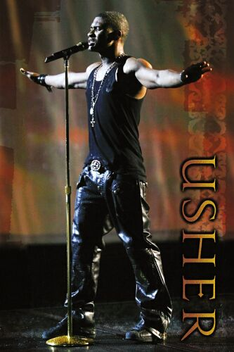 Usher - this the pic of usher performing live.. i just love his songs.. suits the parties...