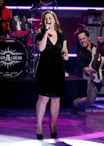 Kelly Clarkson - The first 'American Idiol' winner. She is still going stronge!