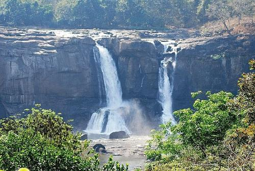 waterfalls - Athirapally-waterfalls