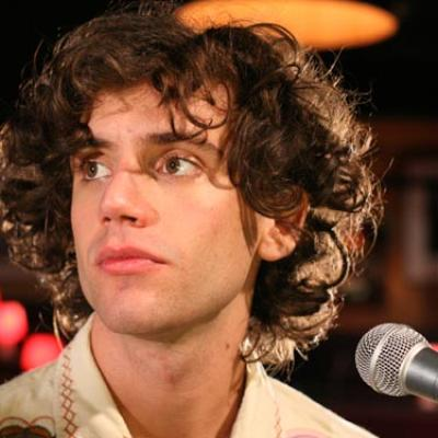 Mika - Mika picture, singer,songwriter