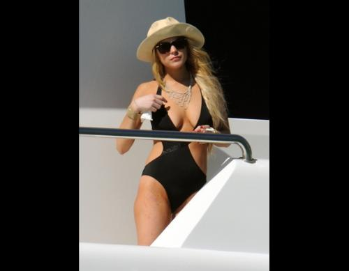 Lindsey Lohan - Lindsey Lohan in a sexy swimsuit.