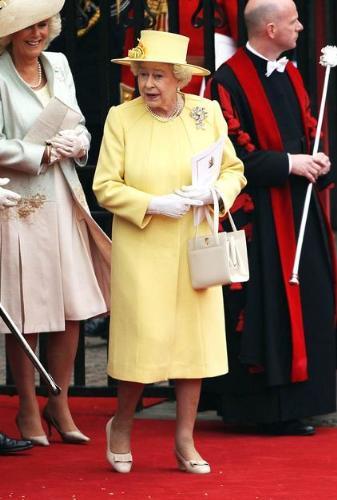 The Queen - Queen Elizabeth II at her grandson Willian's Wedding yesterday. Very colorful!