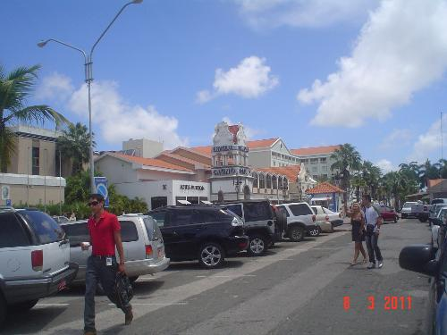 Aruba downtown Orangestadt - Crystal Casino and a great mall are in downtown Orangestadt. There you can buy anything and spend the rest of your money at the casino.