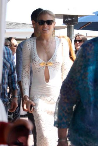 Lee Ann Rimes - Lee Ann's dress looks like a bathing suit cover up! Yikes! This is bad!