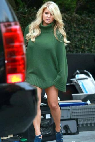 Jessica Simpson - Jessica Simpson in a dress?