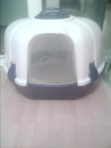 Posh cat loo - Best invention when it comes to cats and poos, beats a litter tray, saves litter getting on the floor, as well as do not look like a litter tray.