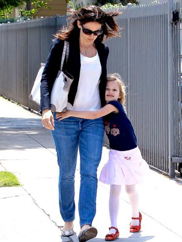 Jennifer Garner - Jennifer Garner and her daughter Velvet.