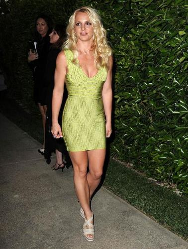 Britny - I thought Britny looked great in this dress! Some people basked it and I thought they shouldn't of!