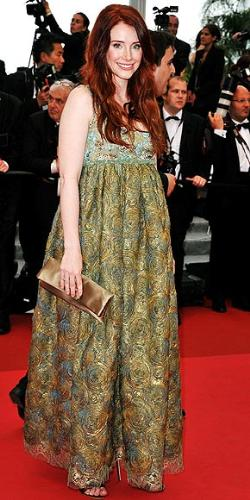 Bryce Howard - Ron Howard's daughter. This dress makes her loook pregnant! I don't think she is!