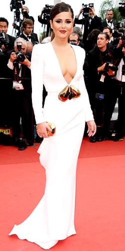 Cheryl Cole - Talk about cleavage! Wow!