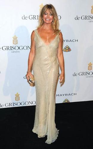 Goldie Hawn - Goldie is in her 60's and looks great! it hard to believe she is a grandma!