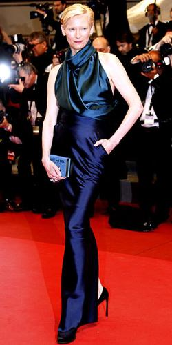 Tlda Swinton - One of the better outfits I have seen her wear! Very nice and I really love the blue color!