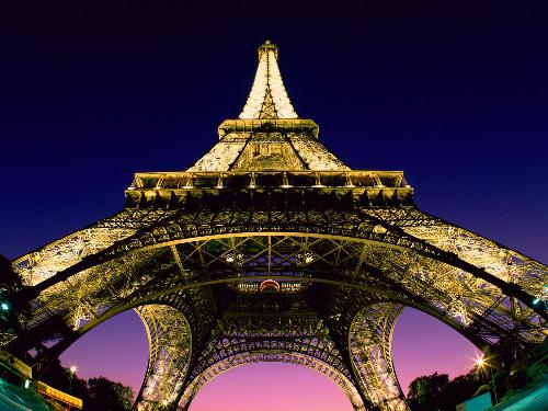 eiffel tower - an image of the eiffel tower in europe