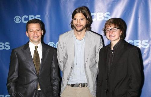 Three and a Half Men - Jon Crier,Asthon Kutcher and Angus T. Jones.