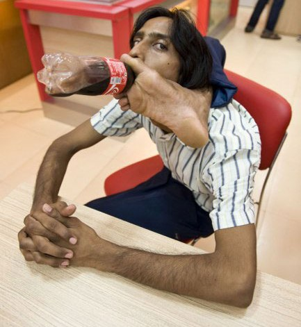 rubber man from india - this is vijay sharma, india, 27 yrs young, limca book of records holder