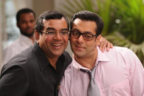salman with paresh rawal - in the movie with paresh rawal