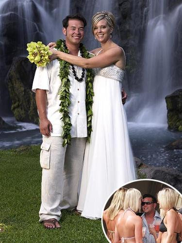 The Gosselins - They renewed their vows at 9 years of marriage. At ten years of marriage they were divorcing! Reports that Jon cheated on her and they say then she did it on him! Whatever drove them apart,I still think being reality stars had something to do with it!